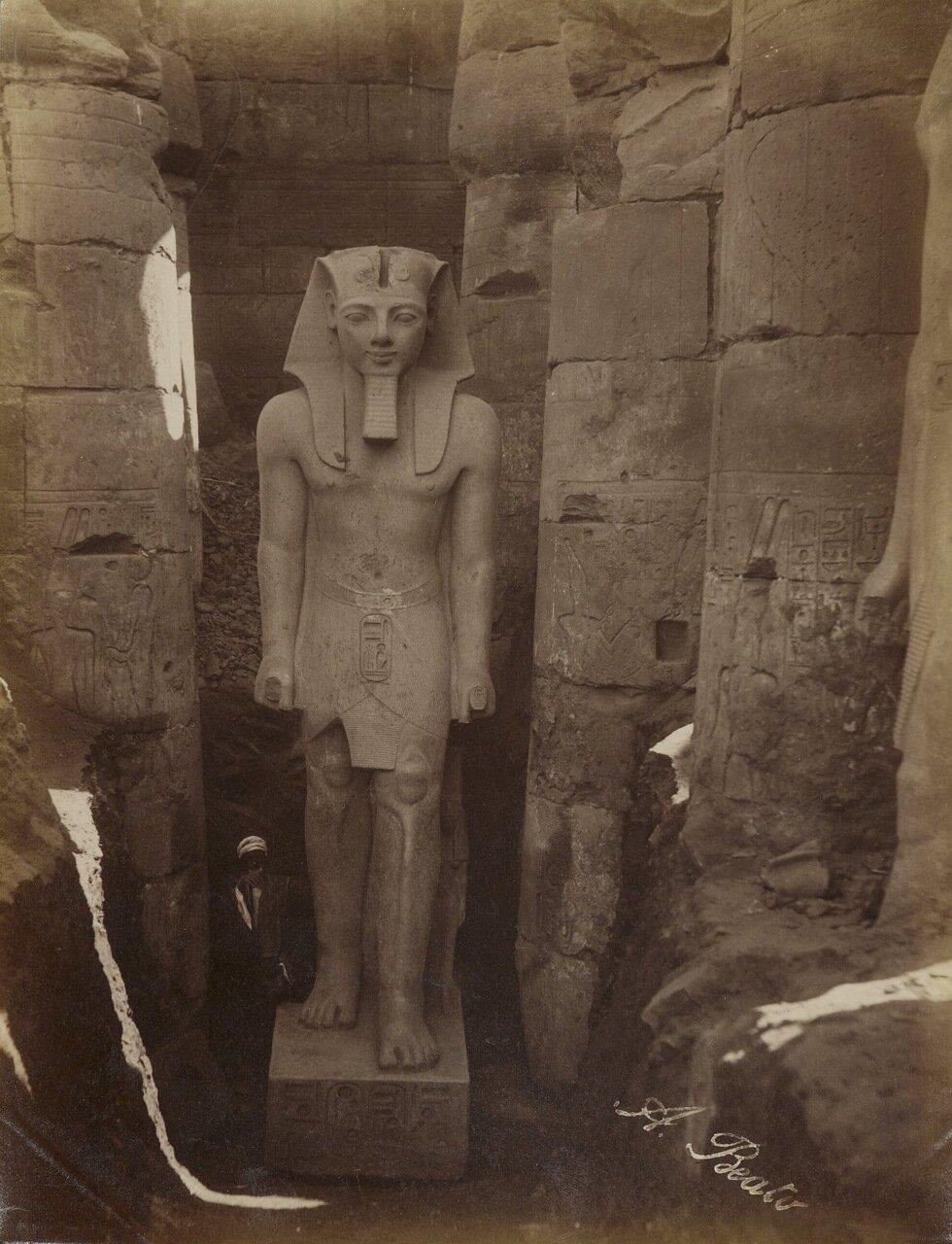 Луксор. Статуя Рамзеса