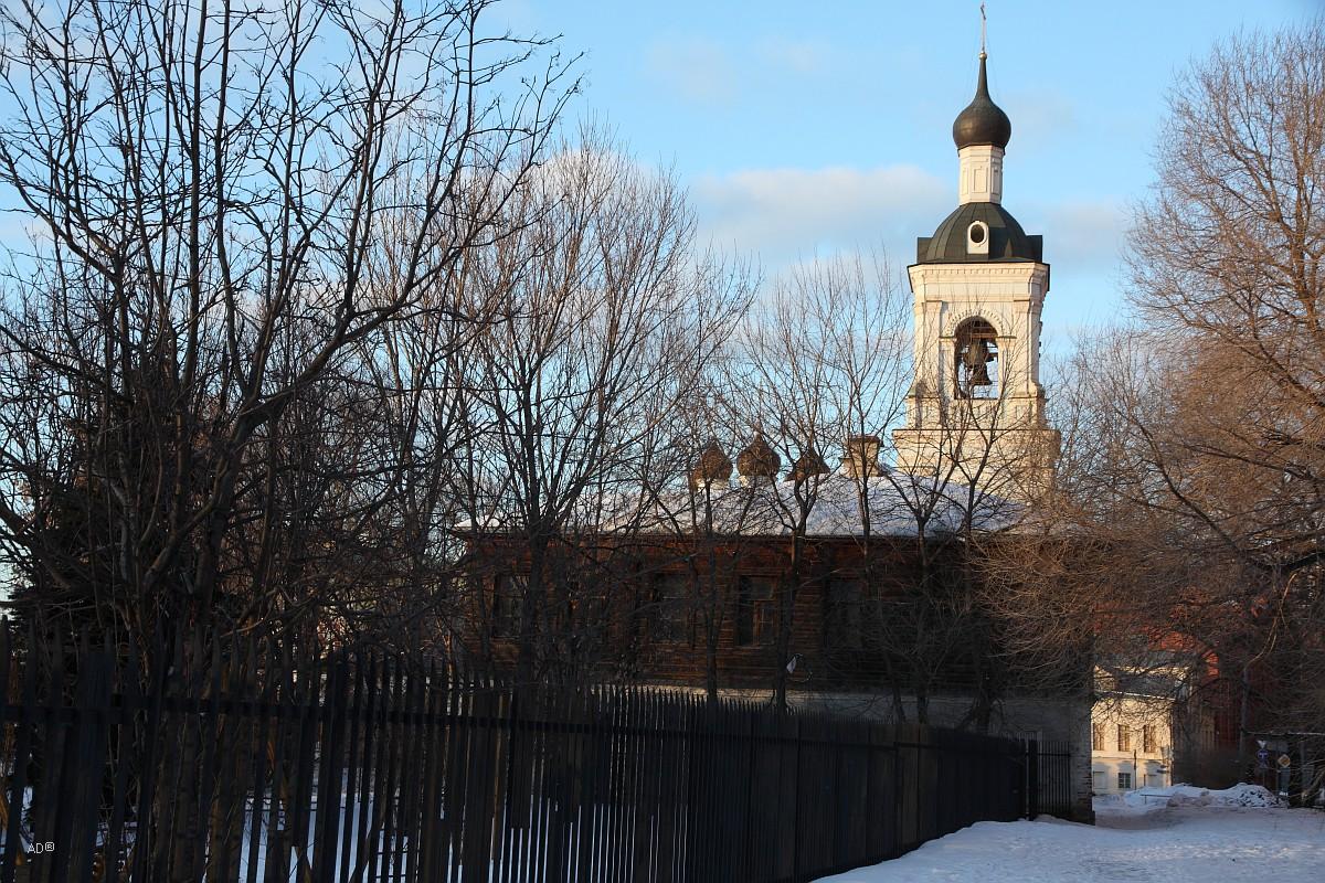 Колокольня храма Николы в Голутвине
