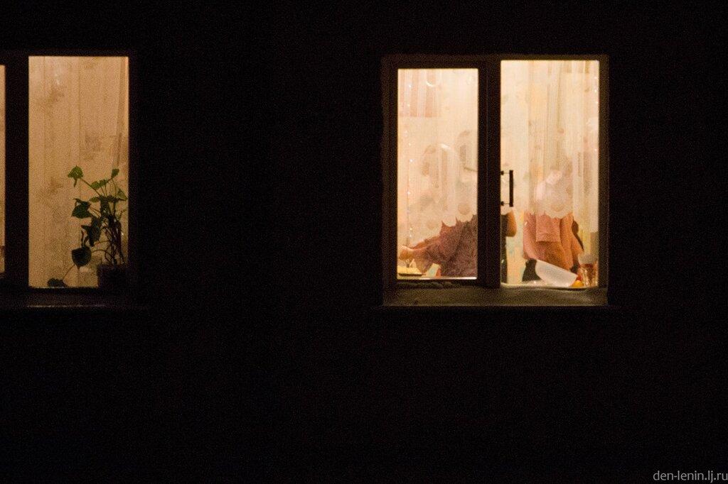 Подглядывание ночью из окна видео — pic 9