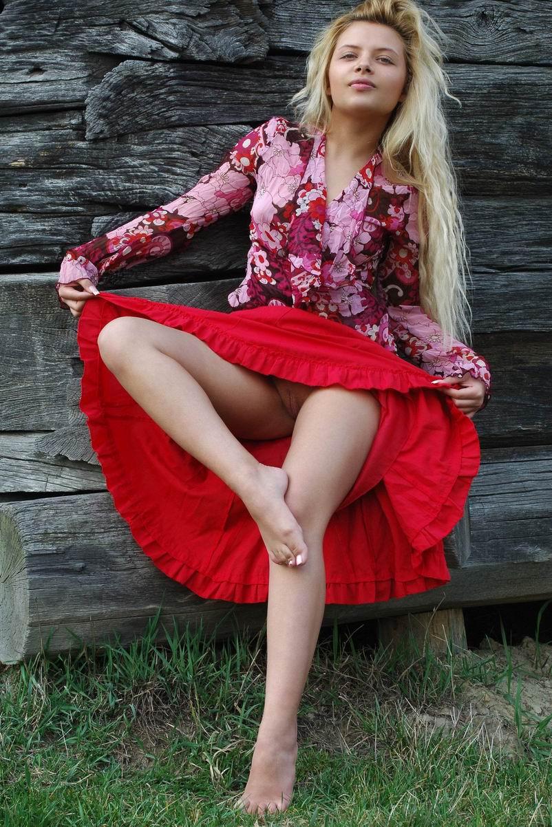 Деревенская голая девка фото 381-8