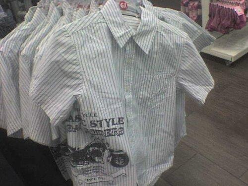 26.06.2011 в Чебоксарах в МегаМолле в отделе Глория Джинс увидел эту детскую рубашку