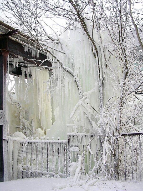 Ледяные гирлянды.