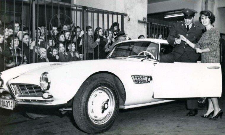 Elvis-BMW507