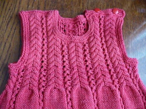 Pembe örgü bebek elbisesi örneği