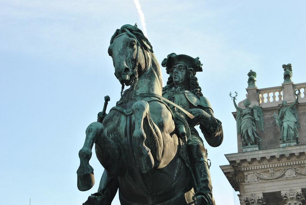 Памятник Е. Савойскому