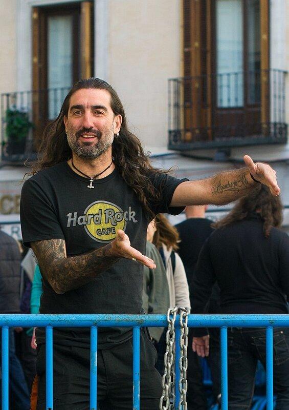 на улицах Мадрида...
