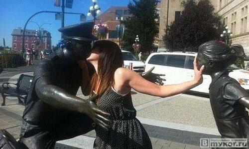 Как нужно фотографироваться с памятниками