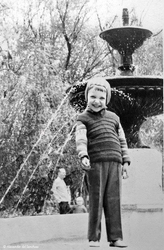 Фонтан на перекрёстке с ул. Чернышевского, 1980-е, фото Sanchess
