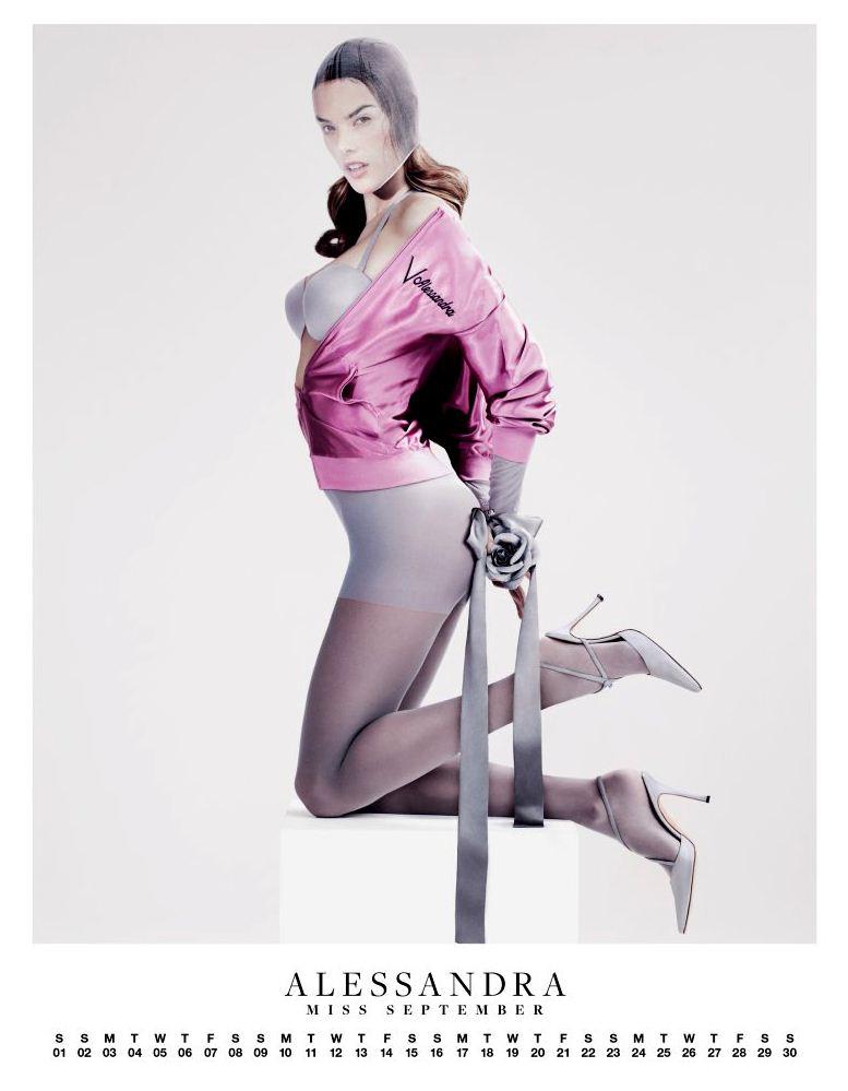 Ангелы Victorias Secret в пин-ап календаре на 2012 год - модель Алессандра Амбросио / Alessandra Ambrosio