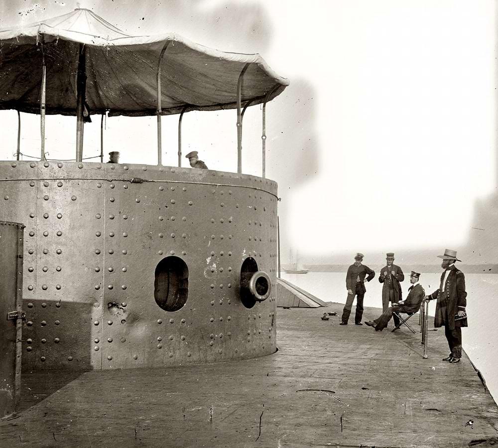 Корабли, речные суда и военные моряки на снимках американских фотографов конца 19 века (3)