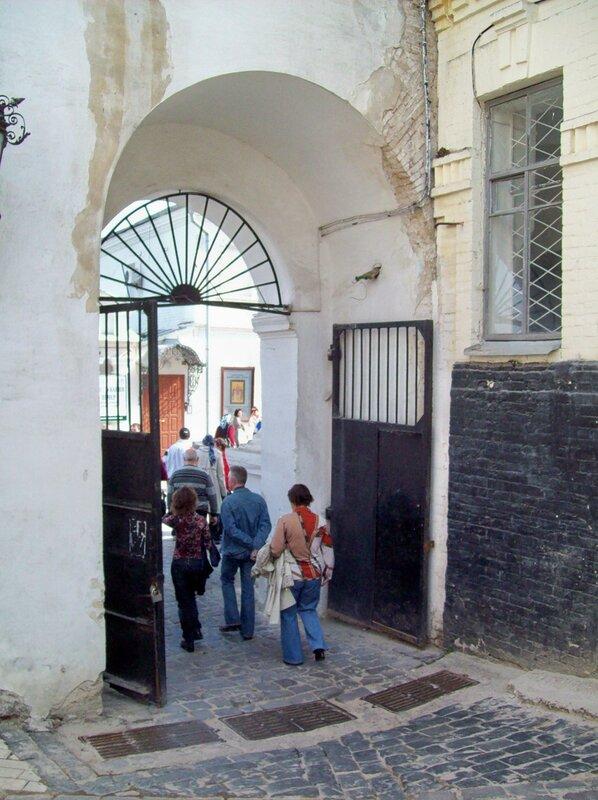 Успенские врата Печерской лавры