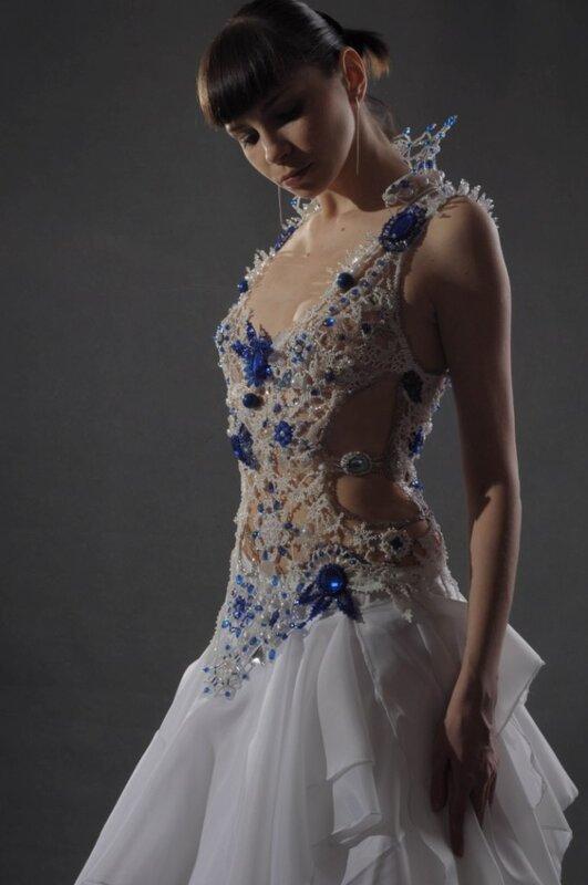 ...так как задумывалось оно именно как платье, но в итоге из бисера полностью получился только топ, а юбка из...
