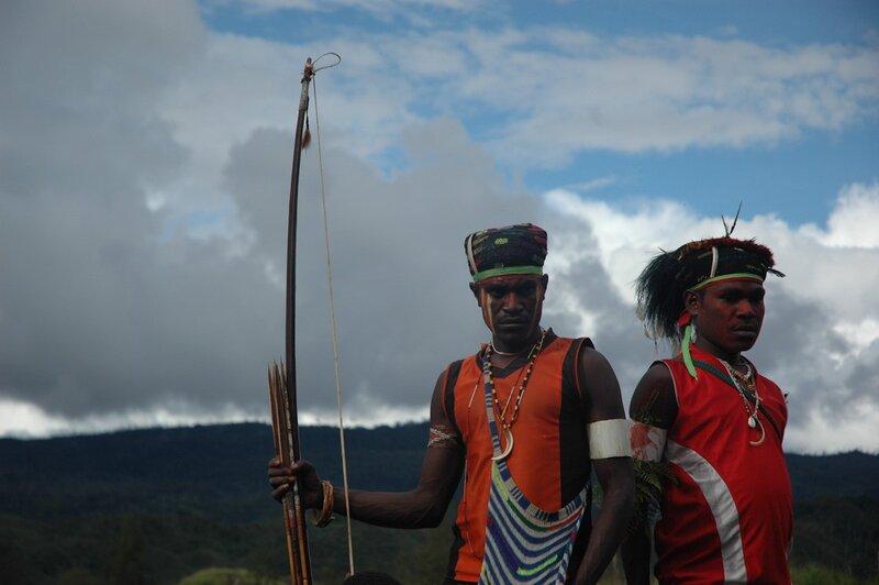 the koteka clothing of papua new Tribe expeditions to korowai, kombai, yali tribes of west papua –papua new guinea province indonesia (irian jaya).