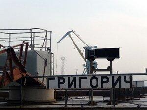 Панели моста на Русский из Находки доставит «Григорич»