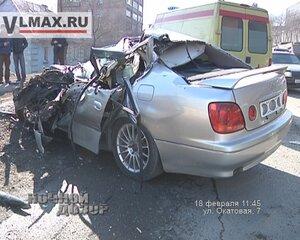 Во Владивостоке молодой автомобилист чудом выжил под «КамАЗом»