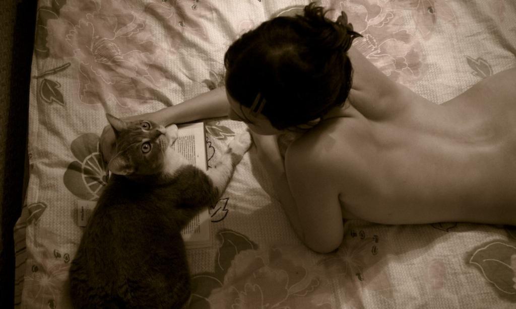 Эротика женщина и кошка видео
