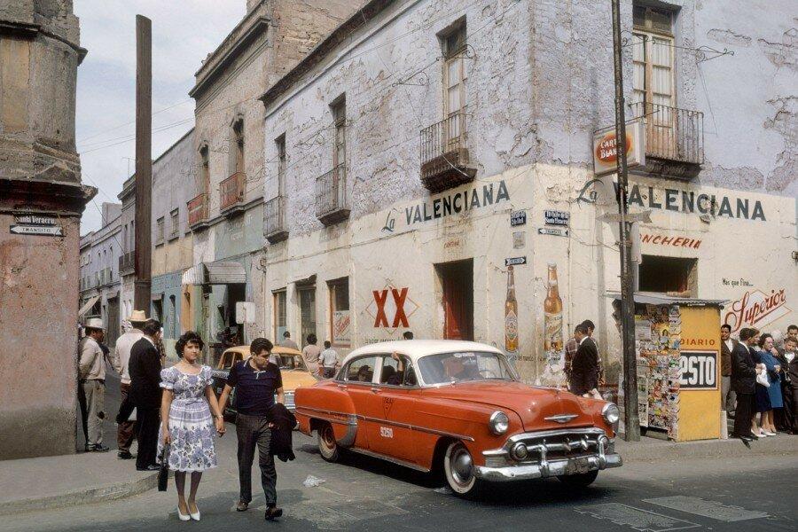 Fred Herzog - A Scene in Mexico City 1963.jpg