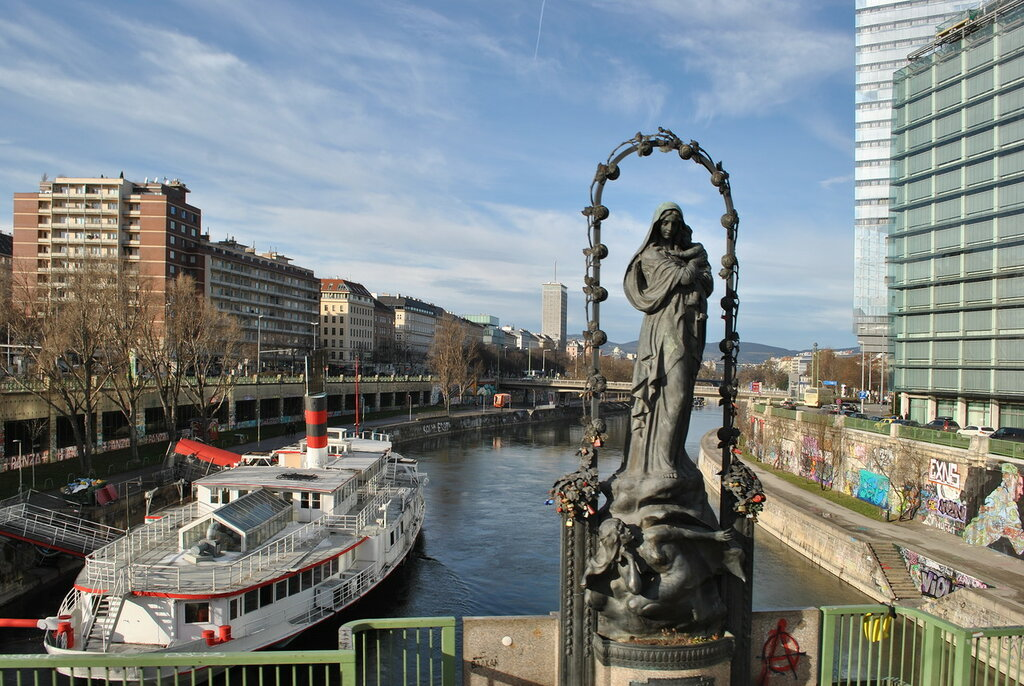 Дунайский канал в Вене