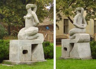 Памятник женской дружбе. «Укушу – сбросит», - думает змея. «Сброшу – укусит», - думает женщина (Польша)