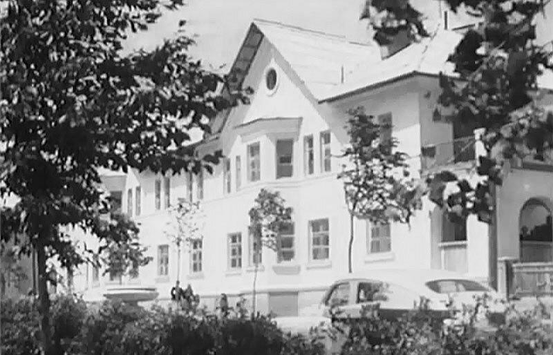один из домов проспекта Мира в 1957 г.