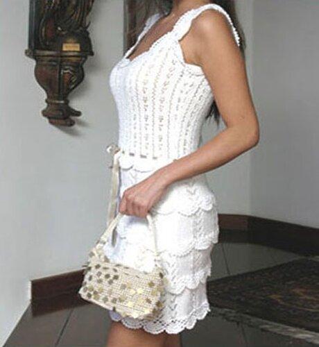 Летние вязаные платья (схемы крючком) .