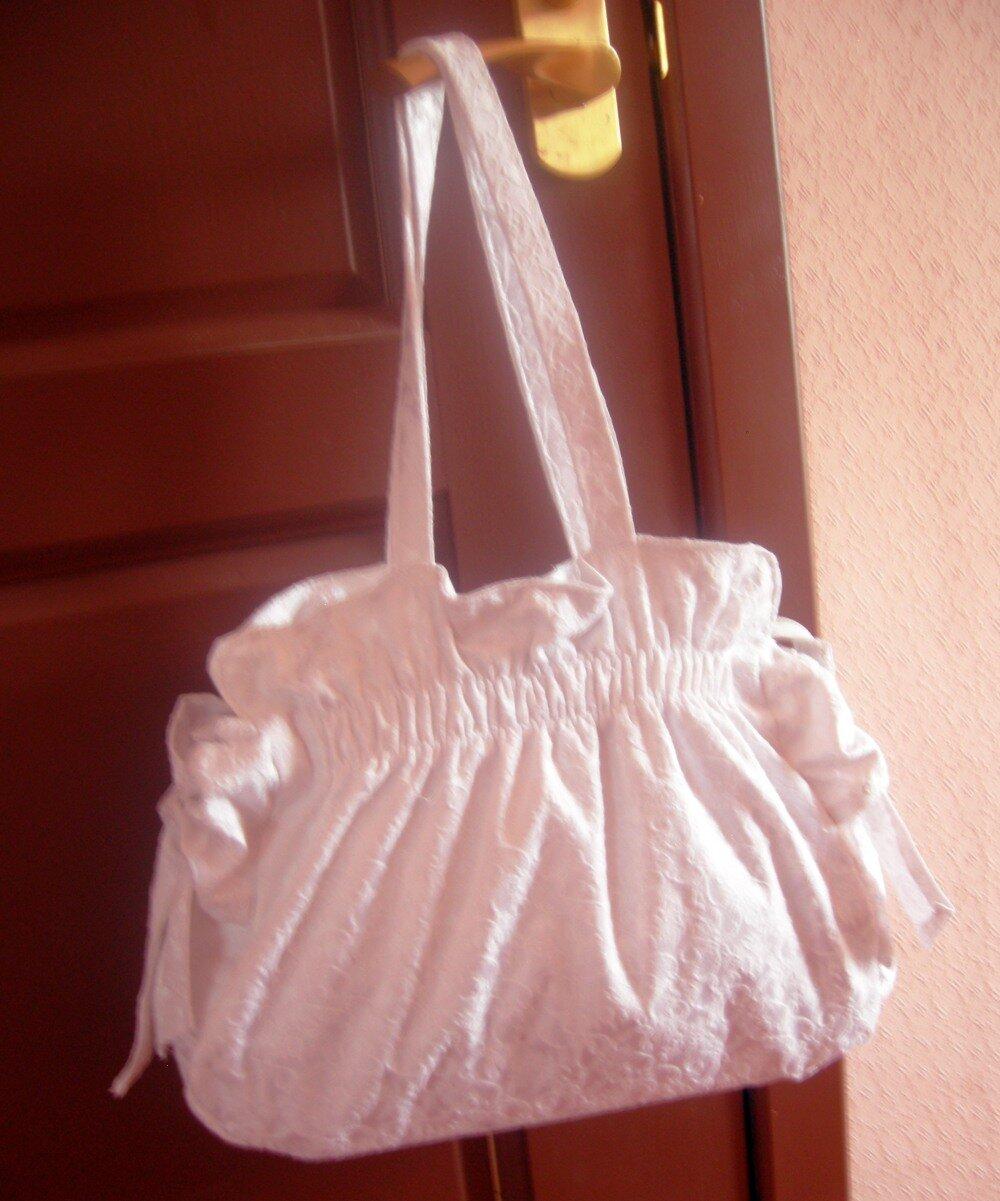 18adf66f8c18 Белая летняя сумка, сшитая своими руками. Авторская работа. Подробное  описание + выкройки
