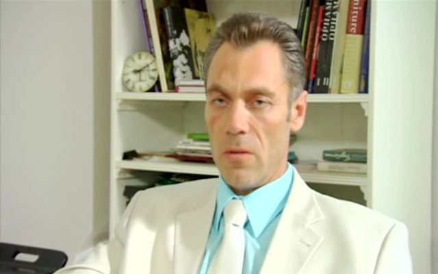 Человек ниоткуда (2010) DVDRip + DVD5. Скриншот №11