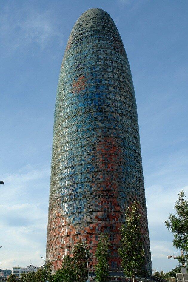 Небоскреб Torre Agbar. Барселона