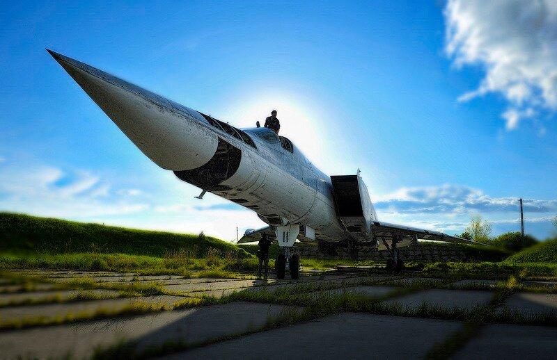 Un Regimiento de bombarderos fantasmas 0_57eec_863db2e5_XL