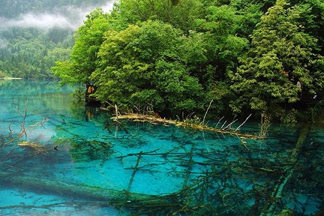 Озеро И со стихами и еще восемь самых удивительных озёр мира