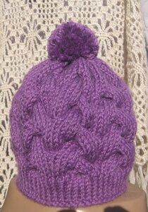 Вязание шапки королевскими косами