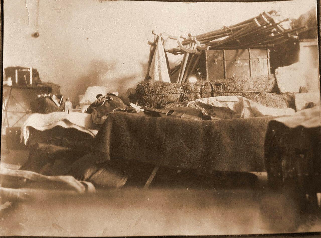 12. Вид части комнаты для сестер милосердия в день приезда отряда. Галиция, Тарнополь