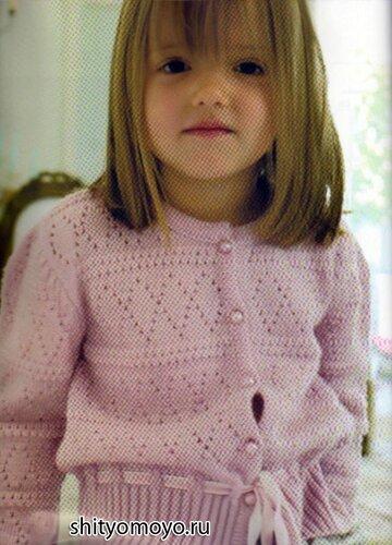 Розовая кофточка на девочку,
