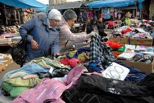 Во Владивостоке «китайский» рынок стоял, стоит… и будет стоять?