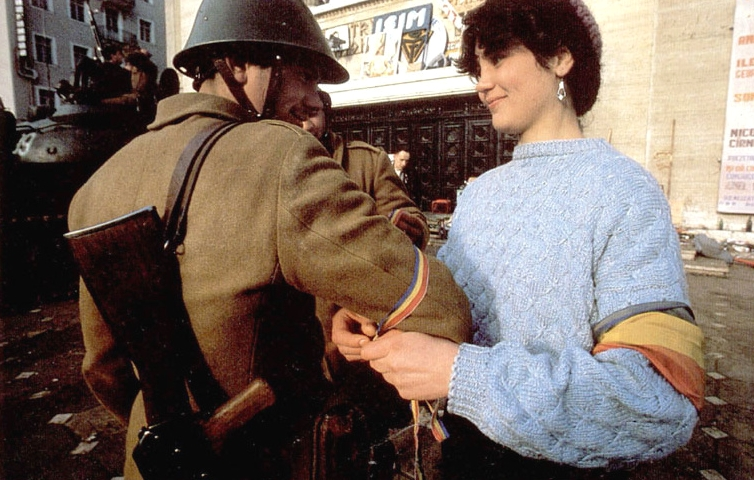 romanians-flag-bucharest-romania-romanian-revolution-revolutia-romana-1989-romanian-men.jpg