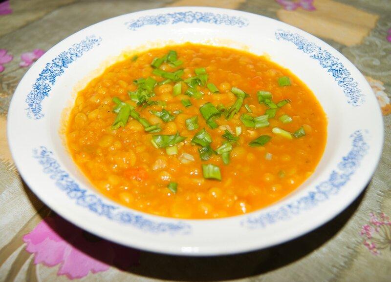 Кокосовый суп с горохом и чечевицей