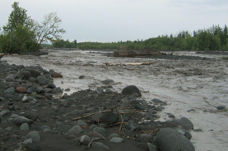 Разлив реки, Толбачик, Камчатка