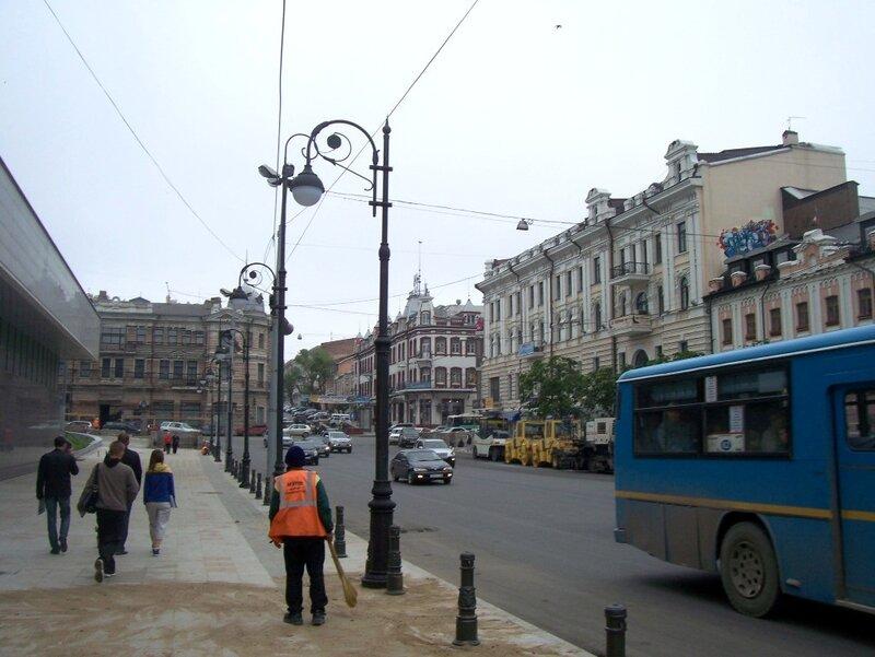 Новые фонари на Светланской 14-июня-2011г