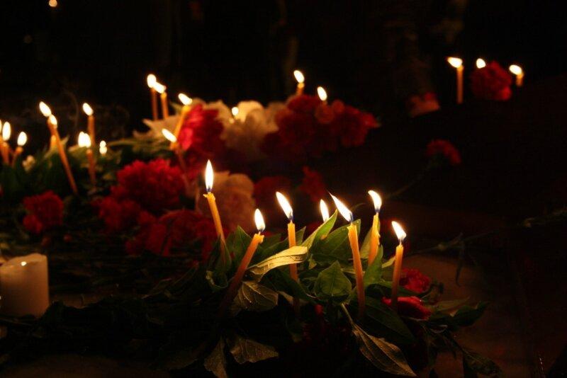 картинки с траурными свечами кафе были