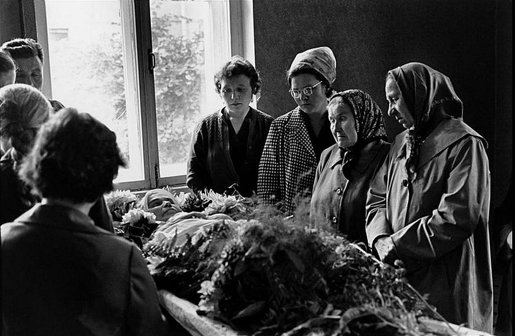 СССР, похоронная сцена.  1965, Манос Константин