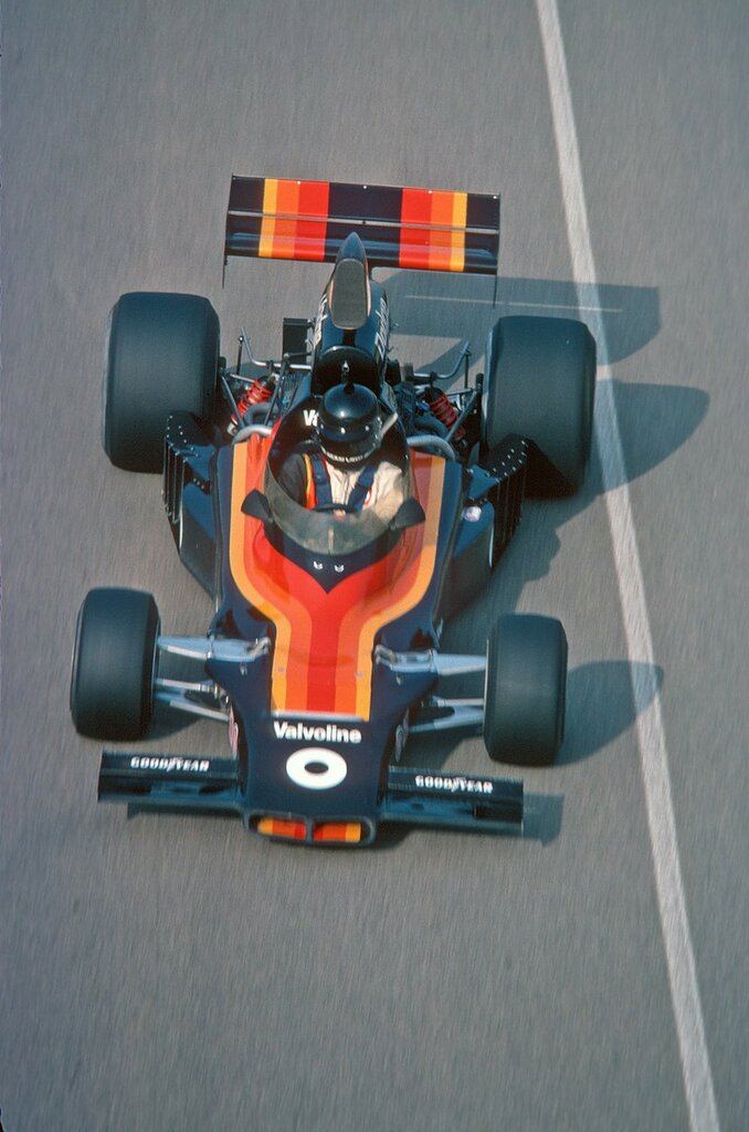 Jackie Oliver Shadow DN6 Dodge 1976.jpg
