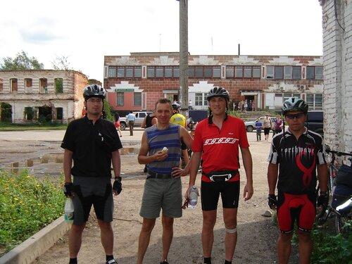 велосипедисты в Горицах