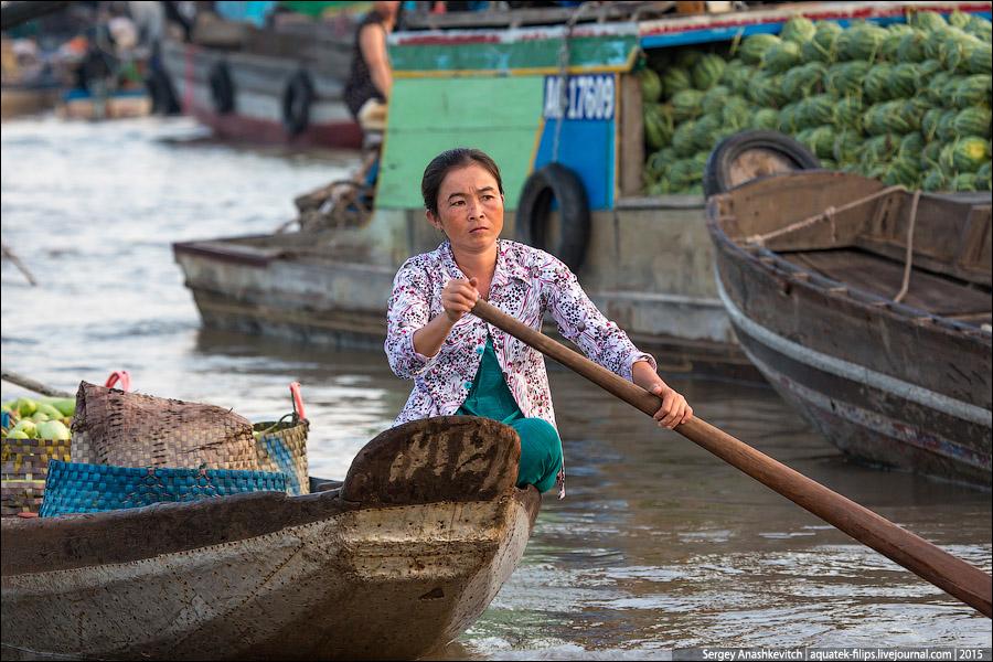 Плавучий рынок в дельте Меконга