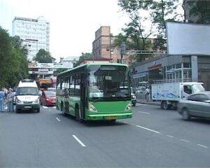 В центре Владивостока автобус с неисправными тормозами сбил пешехода