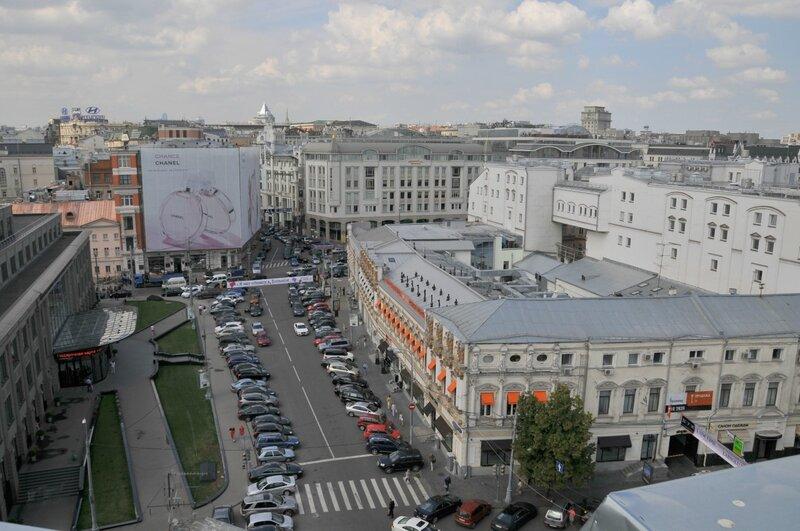 Вид с б. пассажа Попова-Джамгаровых на Кузнецкий мост
