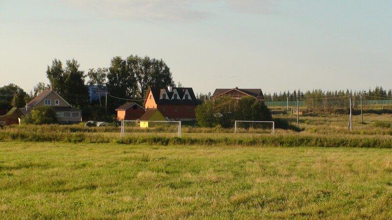 Футбольное поле в деревне Покровское