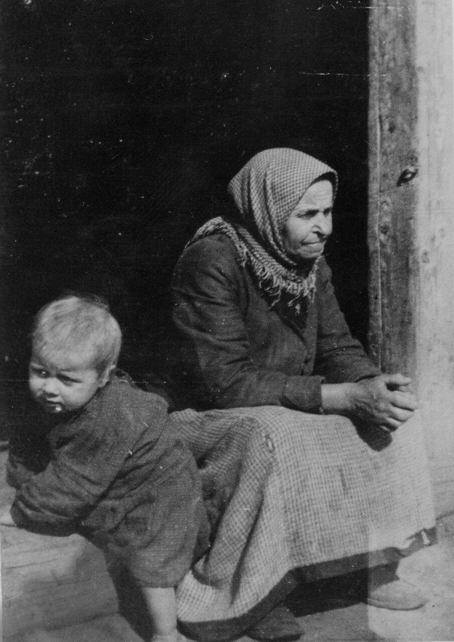 Няня. 1939. Фото Семак Франца