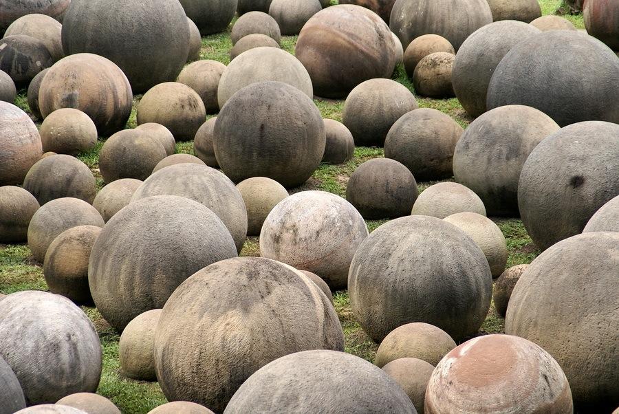 Гигантские шары