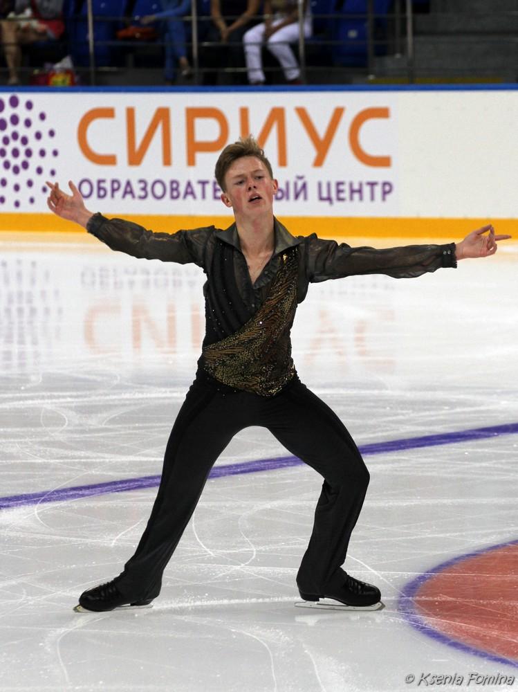 Александр Петров 0_c67cd_df2345f0_orig