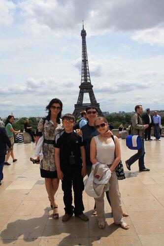 Звездочки Андрюши в Париже на концерте памяти жертв в Японии, 2011 год